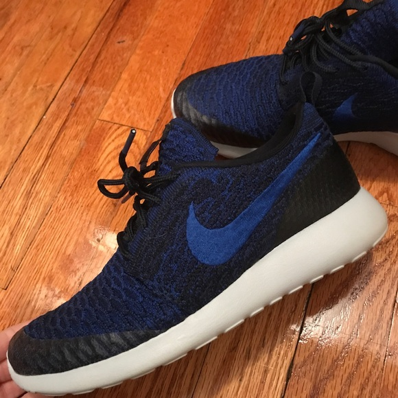 Nike Zapatos Como Nuevos Flyknit Roshe Run Flyknit Nuevos Poshmark f15174